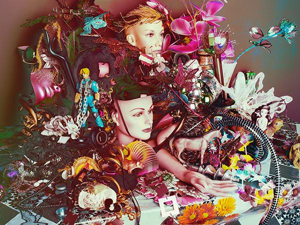 Володарка французької фотопремії створила натюрморт із манекенів і Барбі