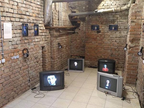 Міжнародна виставка в Харкові переосмислює травматичний досвід війни