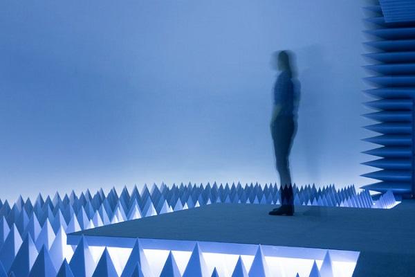 Інсталяція в Музеї Гуггенхайма пропонує 10 хвилин у тиші
