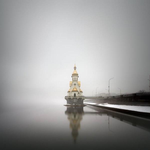 Олександр Нестеровський представив серію концептуальних світлин