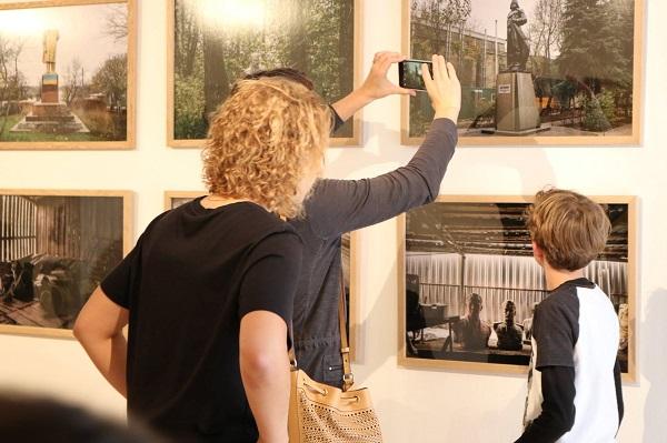 У британському університеті відкрилася виставка про «ленінопад»
