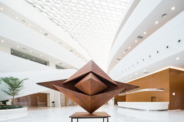 Твір українського скульптора поповнив художню колекцію в Казахстані