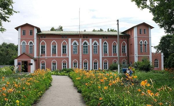 Будівлю Пархомівського музею повернуто громаді