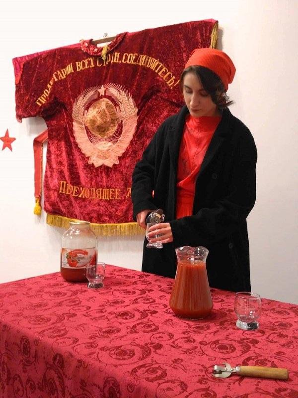 В Одесі пройде лекція-перформанс «ДЕ-комунізація-ДЕ-костюмізація»