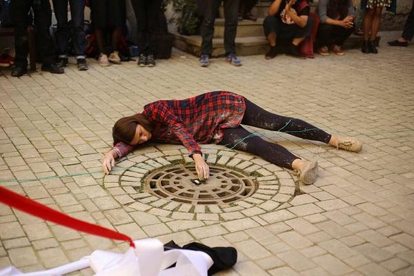 Перформанс у Києві спробує привернути увагу до невидимості та байдужості